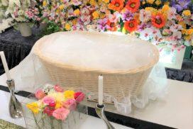 ペット用のお別れ生花とお棺